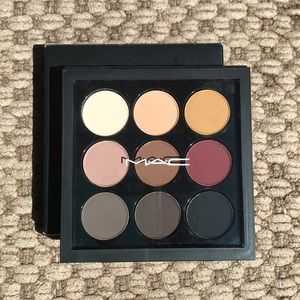 NEW Mac Eyeshadow X 9 Palette